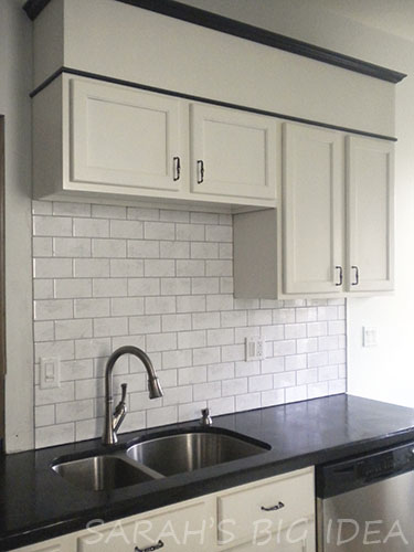 Backsplash Tile Edge Cabinets And Windows Create A Natural