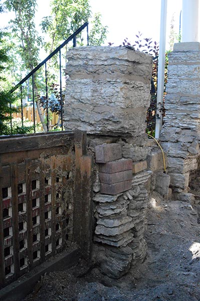 porch columns collapsing