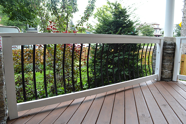 new-porch-railings-with-aluminum-balusters