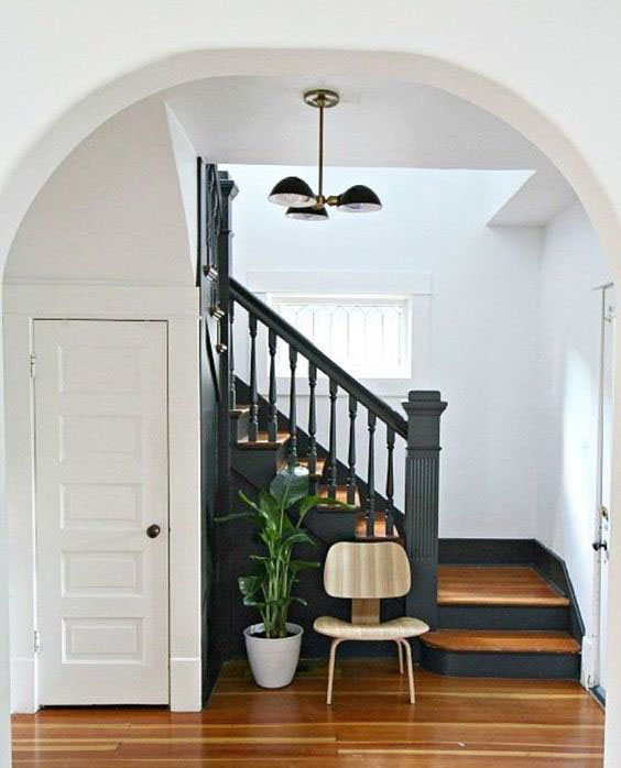 gorgeous black bannister